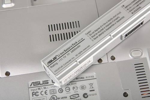 記者手中的測試機,電池容量只有 3-cell 的 2,400mAh,但據 Asus 表示,屆時賣街版本將配備 6-cell 電池,令續航力大幅提升。