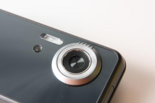 內建名廠 Schneider-Kreuznach 數碼相機鏡頭,質素具一定保證。
