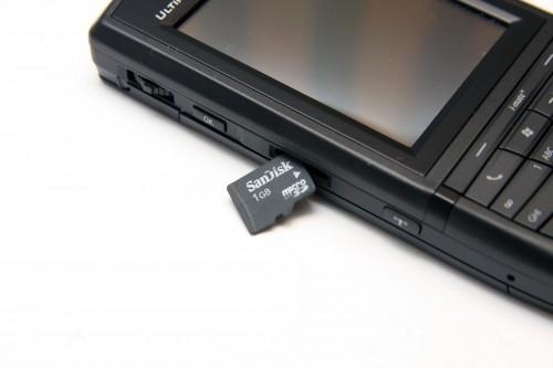 支援 MicroSD 記憶卡。