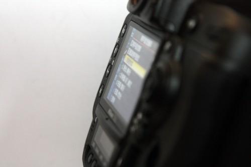 3 吋屏幕的可視角度高達 170 度,視野十分廣闊。