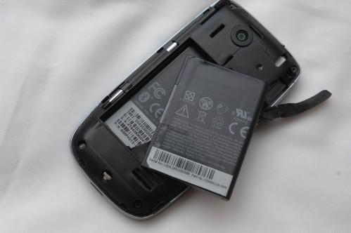 跟機配用 1100mAh 電池,使用時間應該不會太長。