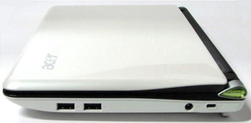 機身右側端子十分簡潔,只有 2 個 USB 2.0 插槽、火牛插槽及 Kensington Lock 端子。