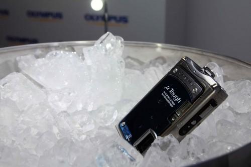 新的 Mju Tough 8000 加入耐寒功能,可抵禦低至 -10 度的低溫,方便於冰天雪地下進行拍攝。