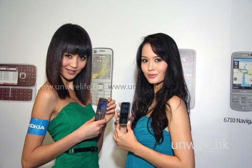 Nokia 6720 Classic(左)及 Nokia 5630 XpressMusic(右)