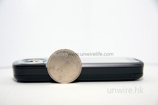 新一代 Touch Cruise 厚度約為一個一元硬幣的 2/3 直徑左右,比上代還要薄了 1mm。