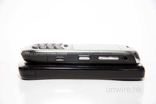 至於厚度,Curve 8900 與 Touch HD 其實差不多。