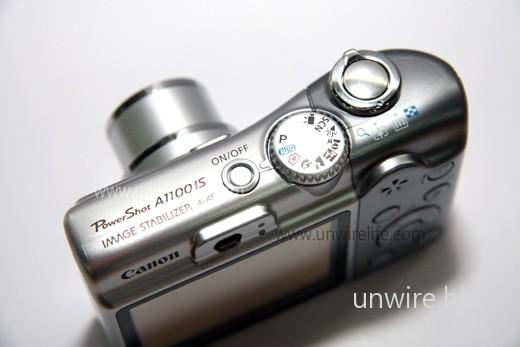 A1100 IS 加入 Easy Mode「自在拍」全簡易拍攝模式(轉盤上印有心心相機圖案的選項),可將相機完全變成「傻瓜機」,令拍攝工作變得更輕易。