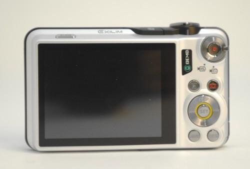 機背具備一個2.7吋屏幕,右上方的拍片按鈕外圍可選擇高速(HS)及常速模式。