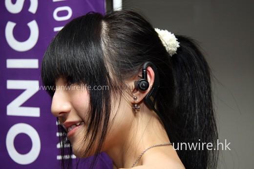 採用頭環式設計,而且耳筒採用 Silicon tips 物料製造,可更緊貼用家耳形,配戴更舒適。