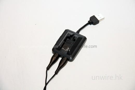 耳機能播放真正的 5.1 聲道,靠的便是這個 Dolby 5.1 USB 外置音效卡。