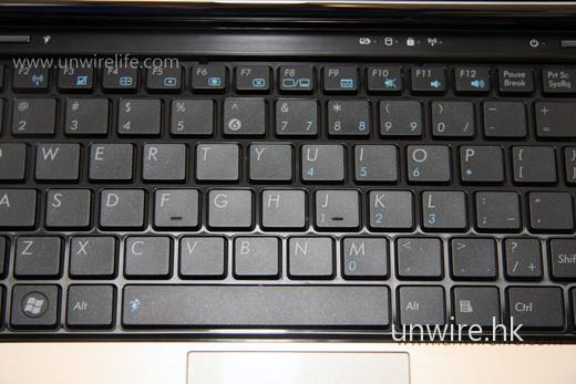 改為採用時下十分流行的巧克力鍵盤,打錯字機會便更低了。