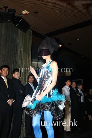 又一模特兒漂亮服裝。