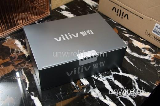 Premium Set 的包裝比較四方,是一個灰色的小盒子。