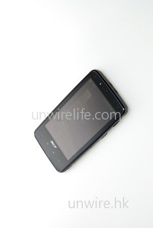 F900 是 Acer 首部採用大屏幕的 Windows Mobile 機款,屏幕與 HTC Touch HD 一樣,採用內嵌式設計。