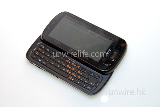 F900 的 qwerty 鍵盤版本:Acer Tempo M900。