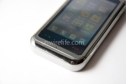 通話、掛線及「S-Class」觸控 3D 介面啟動鍵均採用觸控設計,而非實體按鍵,令手機看起來更有型。
