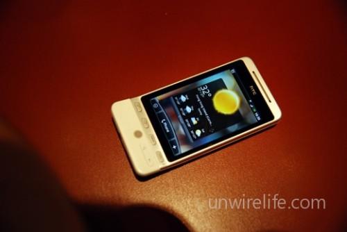 從相片可見,設計上與 Magic 頗相似,不過採用了全新的 HTC Sense UI,感覺更漂亮。
