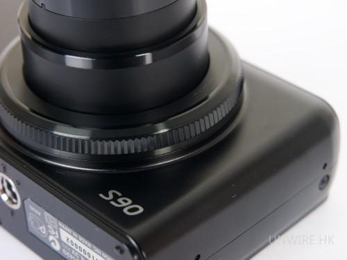 鏡頭外圍的快速控制環,是Powershot S90最有創意的賣點。