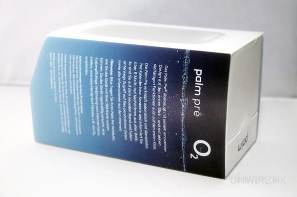 盒的另一側,則寫了一大堆德文(Edward 是不認識德文的),相信應是有關 Palm Pre 的介紹吧!