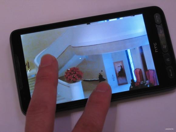 電容式觸控屏幕的靈敏度更流暢。