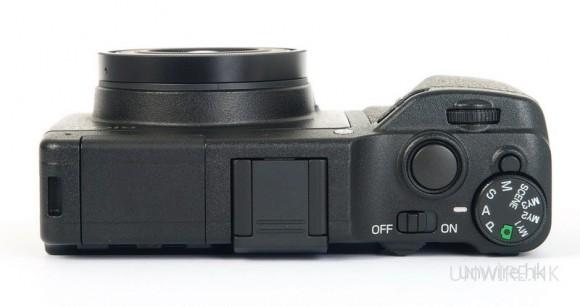 接上Ricoh Lens S10 24-72mm F2.5-4.4 VC,GXR亦能保持薄機身,這是它最過人的優點。