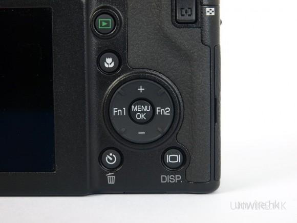 按鍵的特色跟GX或GRD相似,也備有Fn1和Fn2讓用家自行設定快捷選項。