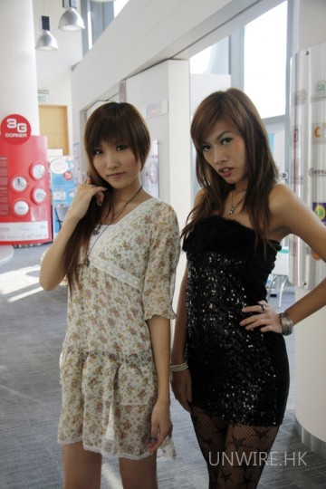今次大會的兩位模特兒:Rain(左)及 Reila(右)。