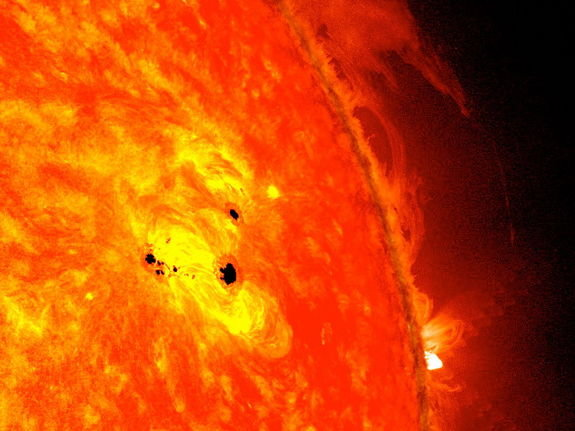 NASA_Sees_Monster_Sunspot_Growing-f3e5fae2c6489b9557a92be5c1c72876