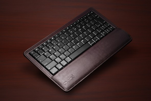 BLUEi Bluetooth Leather Keyboard Chocolate BG