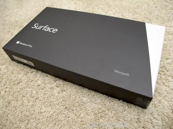 可見包裝與 Surface 基本上是一模一樣,只能從印在盒面的作業系統分別出來。