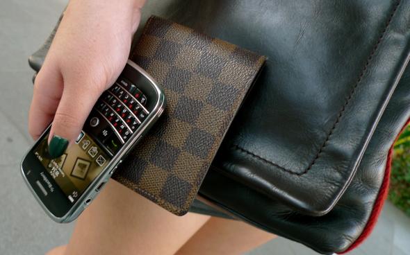 BlackberryiPhone-001