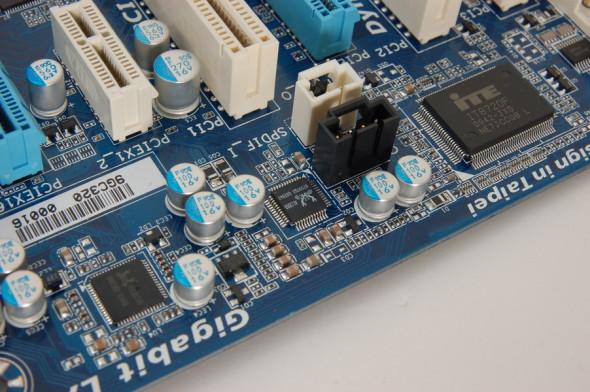 一般主機板只把 HD-Audio 當作普通功能,故採用廉價 HD-Audio 音效晶片,用料亦不特別講究。