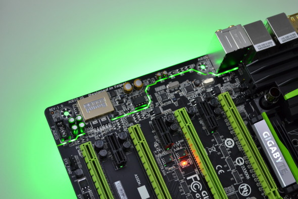 藏在 PCB 內部的分離式線路設計,常見於高級音響器材。