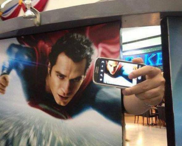0379615603f47a6d0e5ec5868c779e01-superman-takes-a-selfie