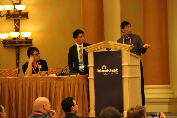 以上是 Bloodspear 團隊的成員 : (左起) Tony Miu, Albert Hui, Dr. W. L. Lee.