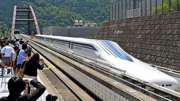 art-Japan-Maglev-Fastest-Train-620x349