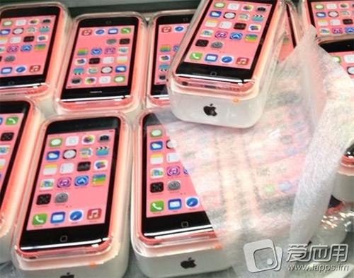 13.09.01-iPhone5C_Pack
