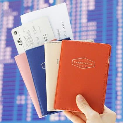 iconic_anti_skimming_passport_case_cover_01__55956.1341976378.420.420