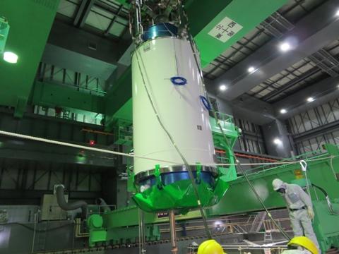 fukushima-nuclear-plant-fuel-rod-removed