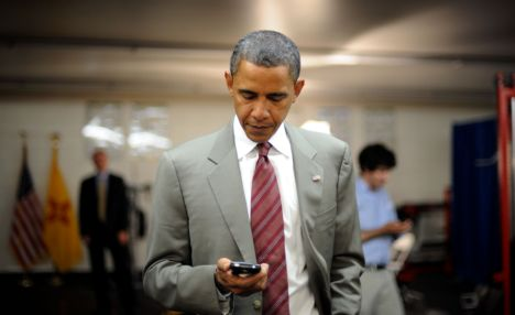 obama-blackberry
