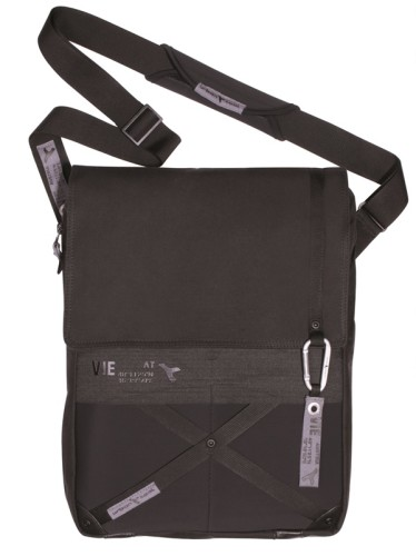 reporterBag_canvas-black_front_shoulder