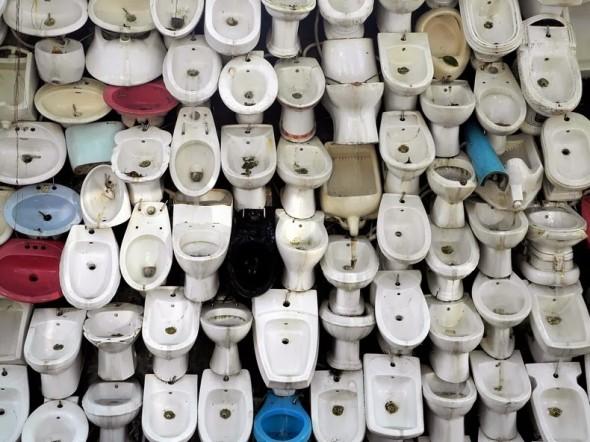 toilet-bowl-waterfall-1[2]