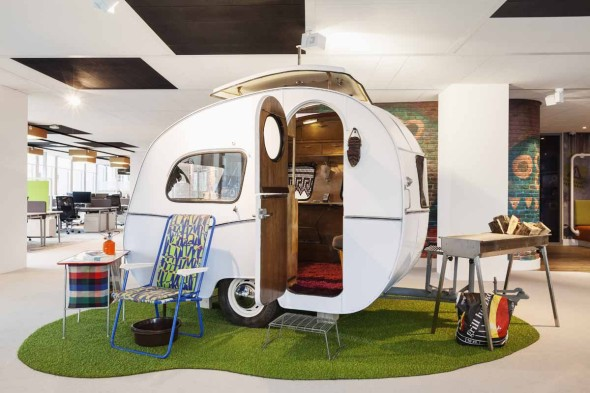this-60s-inspired-caravan-and-accompanying-lawn-chairs-are-an-interesting-addition