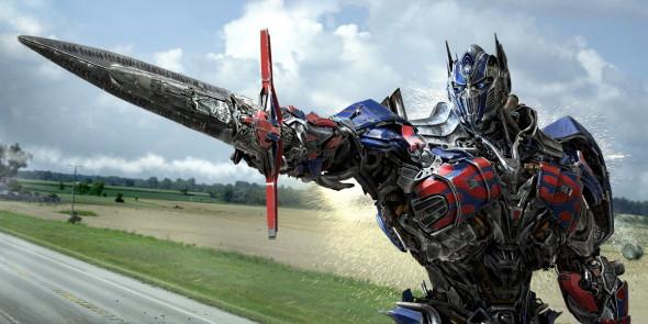 Optimus still #2 (Sword pointing)_resize