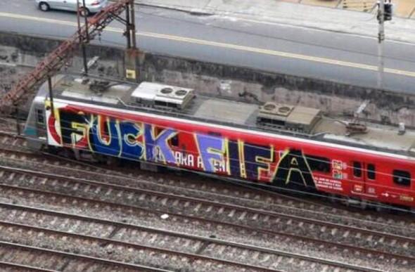 Street-Art-FIFA-World-Cup-in-Rio-de-Janeiro-Brazil-54564357725455787