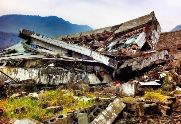 beichuan-earthquake-museum-6[2]