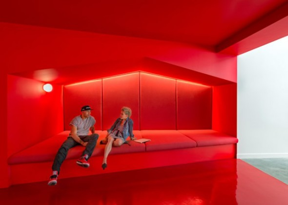 Inside-Beats-by-Dre-Office3-640x457
