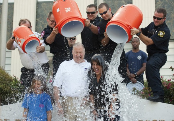 Tyler_Texas_Mayor_Ice_Bucket_Challenge-0c909