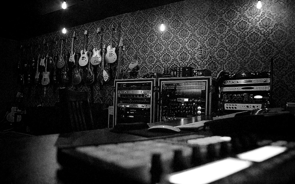 band-studio-bw
