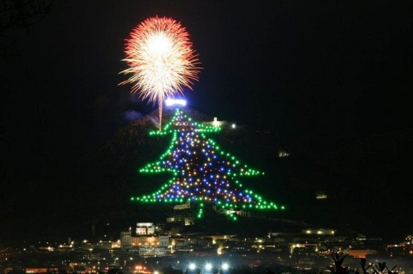 gubbio-christmas-tree-2[2]
